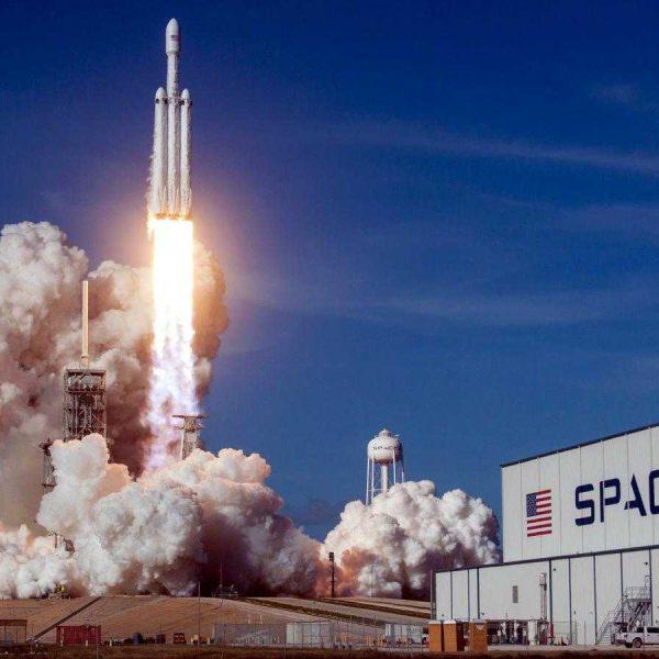 Первый запуск SpaceX Falcon 9 в 2021 году назначен на ночь четверга (spacex falcon heavy elon musk china europe esa nasa mars sls boeing)