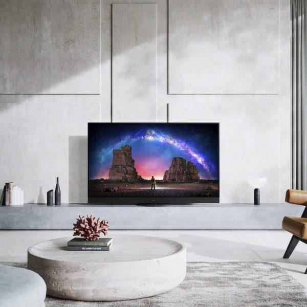 CES 2021: Panasonic представил флагманские OLED-телевизоры 2021 года (tx 65jz2000e 2000b w2004 c2004 rm front kv min scaled)