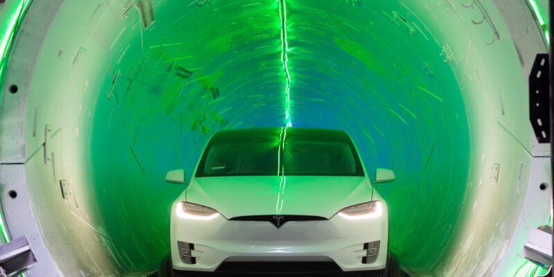 Илон Маск проложит туннель под Майами за 30 миллионов долларов (181218221117 01 boring tunnel)