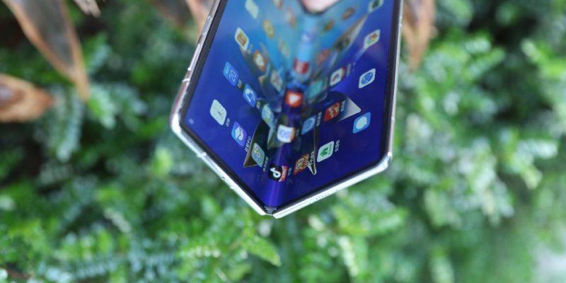 Huawei представила новый складной смартфон - Huawei Mate X2 (huawei mate x2 na pervyh zhivyh foto i video picture2 3)