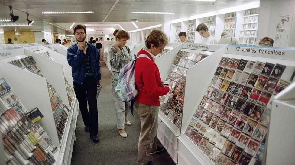С момента их изобретения в 1960-х годах по всему миру были проданы миллиарды кассет.