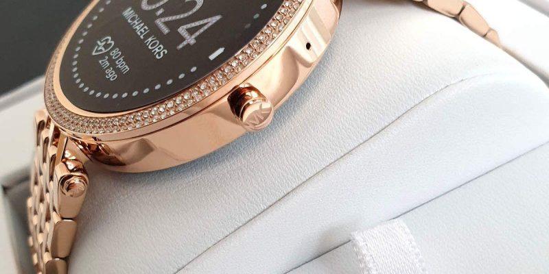 Michael Kors представил умные часы за 354 доллара (20210120 113328 big)