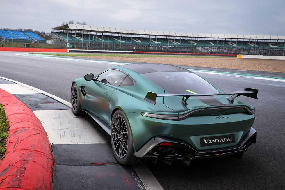 Aston Martin Vantage F1 Edition - это больше, чем просто внешний вид (aston martin vantage f1 edition 002)