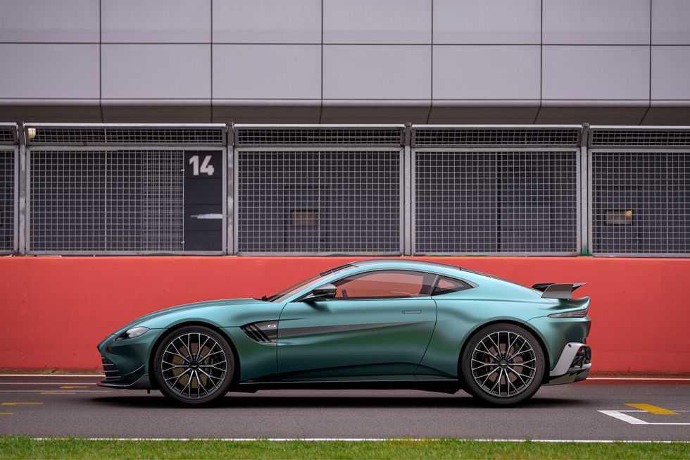 Aston Martin Vantage F1 Edition - это больше, чем просто внешний вид (aston martin vantage f1 edition 004)