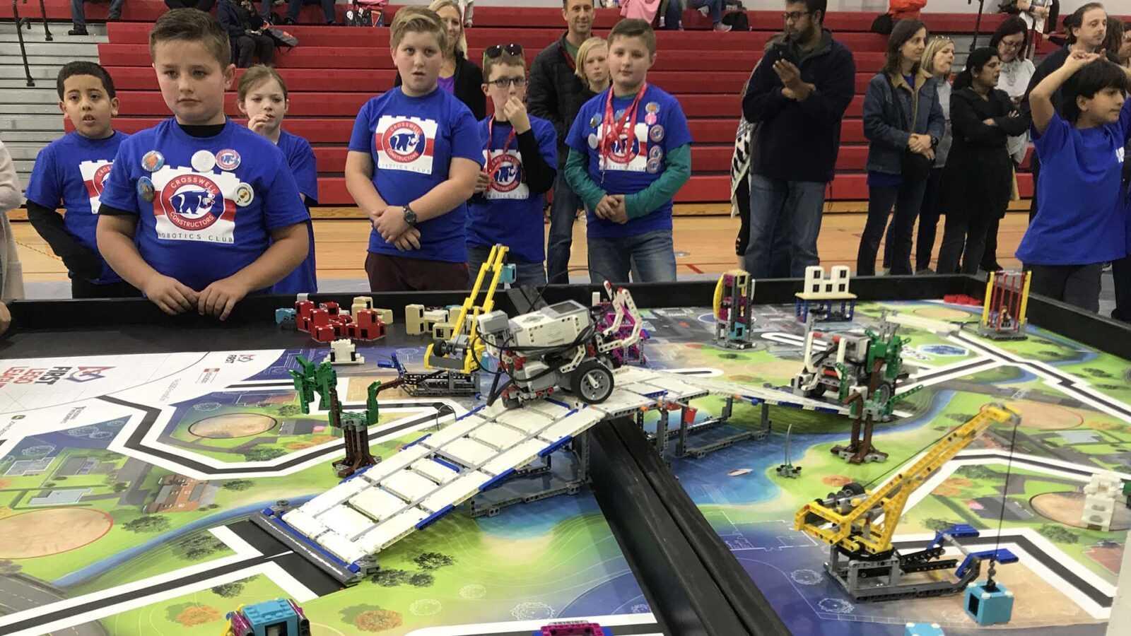 В Москве пройдут соревнования по робототехнике для школьников (first lego league robot lego tournament 1 138)