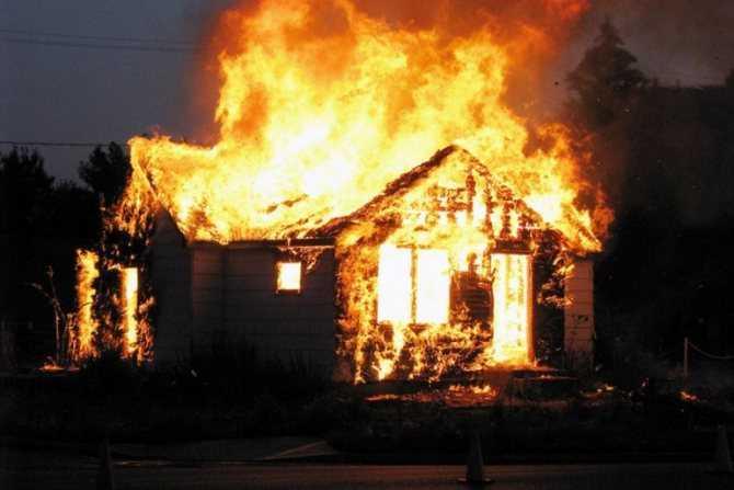 Аккумулятор iPad сожжёт ваш дом (goryashchij dom)