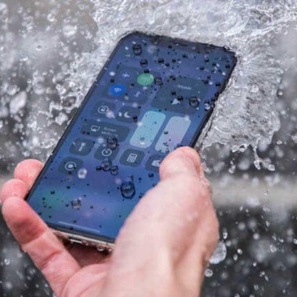 iPhone 11 Pro пролежал на дне замёрзшего озера 30 дней и остался работоспособным (gywa 1280x720 1)