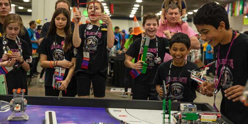В Москве пройдут соревнования по робототехнике для школьников (header image)