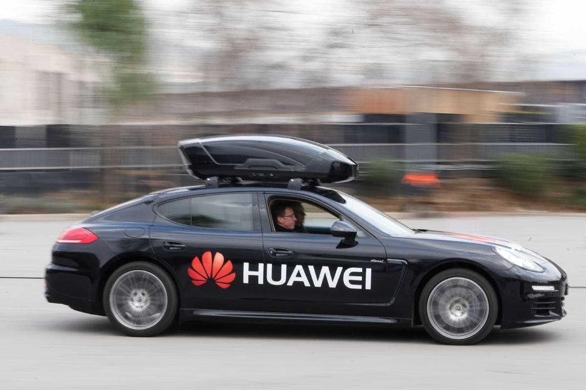Электромобиль Huawei будет стоить 45000 долларов (huawei)