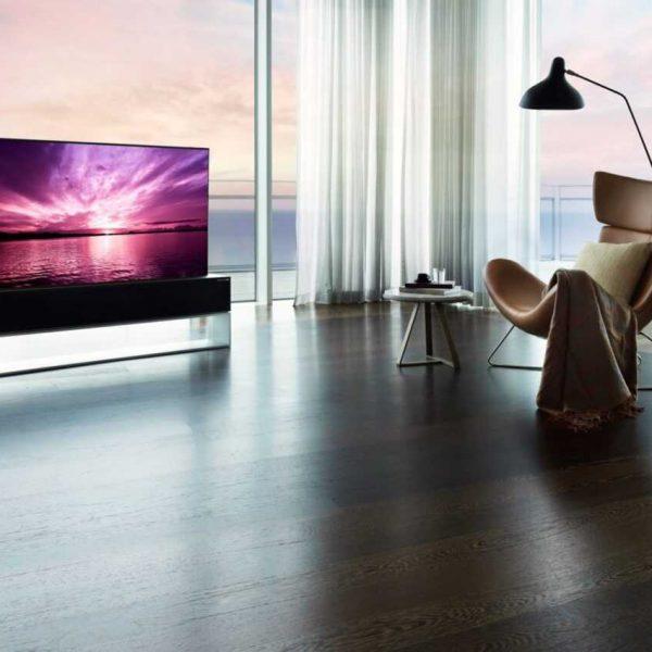 Cворачивающийся телевизор LG скоро появится в России (lg signature oled r 05 scaled large)