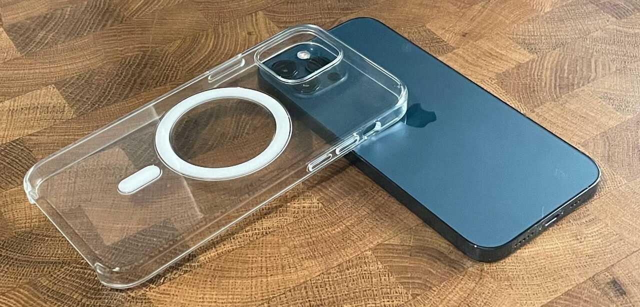 Обзор Apple MagSafe для iPhone 12 (photo5364100096561623661 e1615815957966)