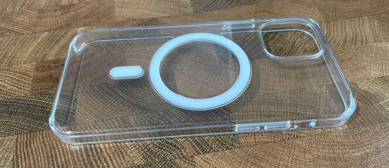 Обзор Apple MagSafe для iPhone 12 (photo5364100096561623663 e1615815922917)