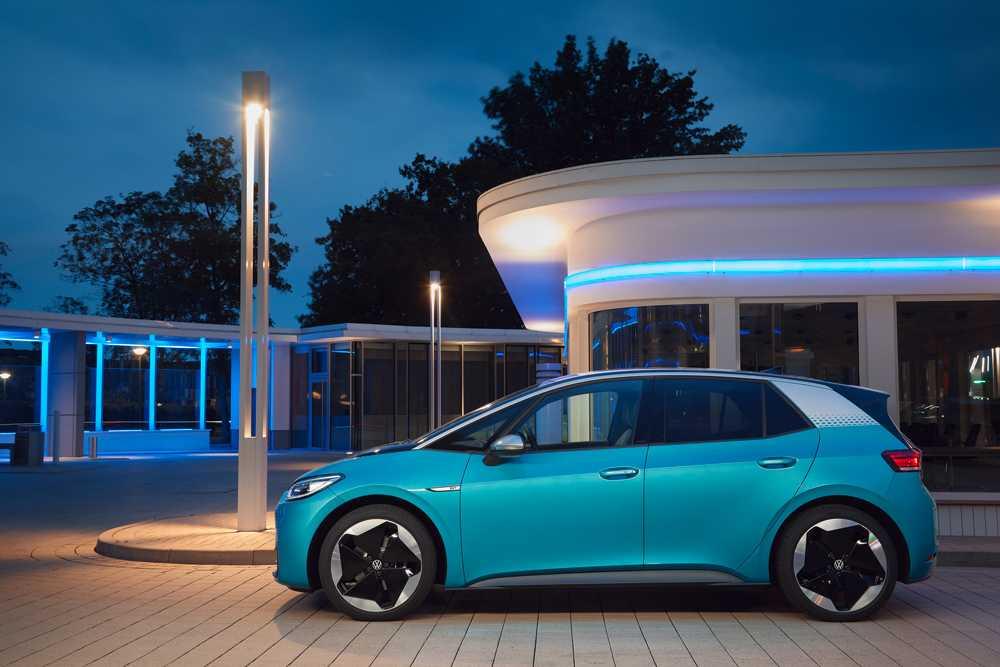 Volkswagen ускоряет процесс перехода к электрическому транспорту (volkswagen id.3)