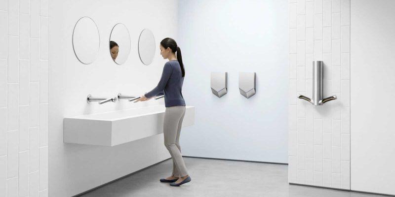 Dyson подтвердил, что сушилки Dyson Airblade делают офис безопаснее (washroom scaled)