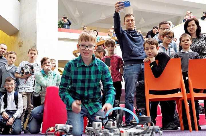 В Москве проведут соревнования по робототехнике DJI RoboMaster Youth