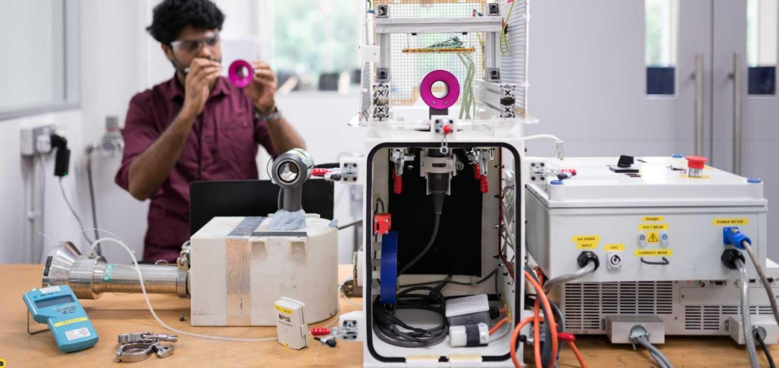 Dyson инвестирует 2,7 млрд в исследование новых технологий (dyson)