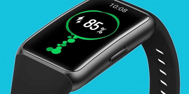 Фитнес-браслет Huawei Band 6 похож на умные часы (huawei band 6 black)