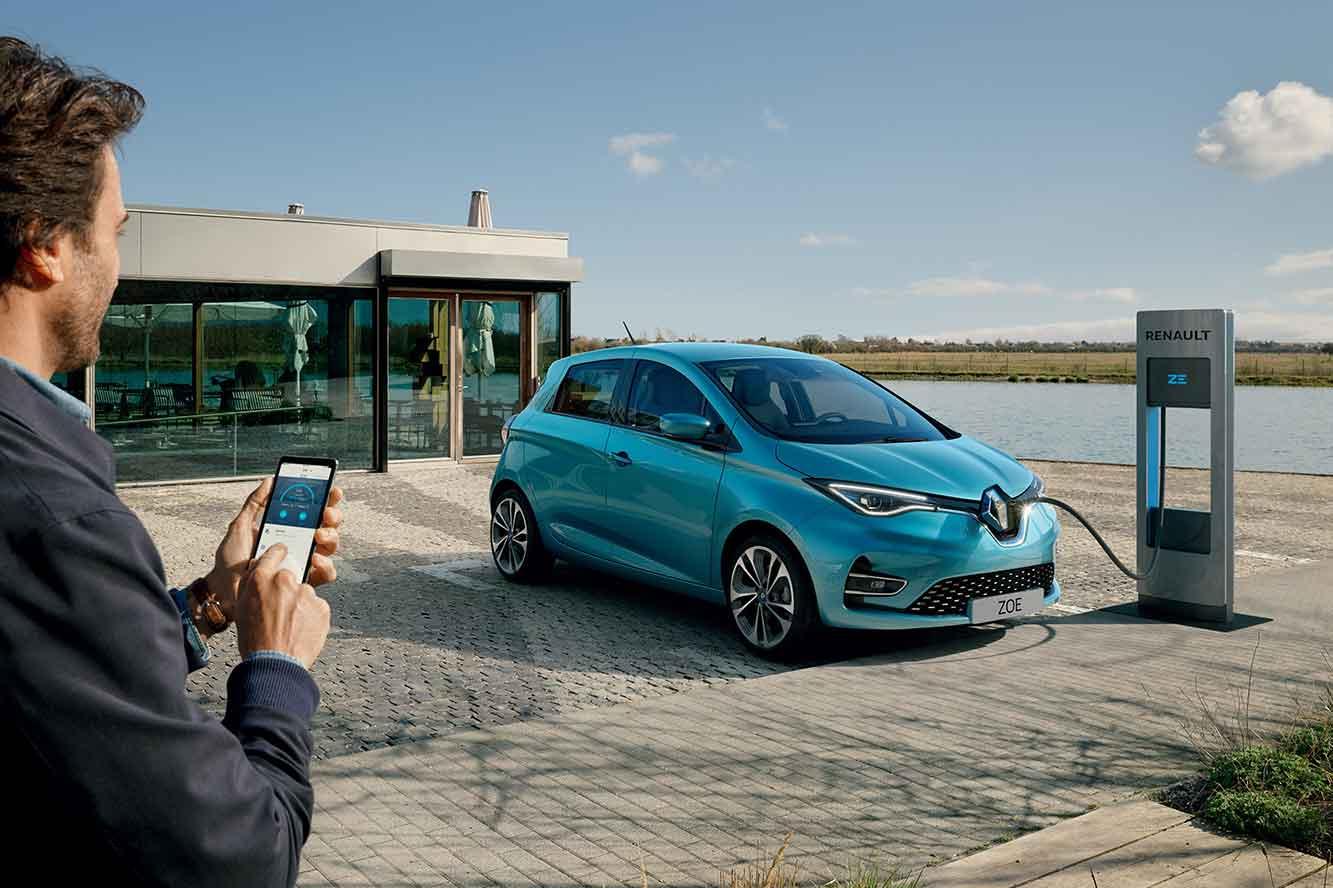 Renault представил Connect, новые подключаемые сервисы