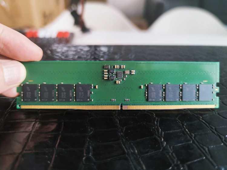 Память нового поколения DDR5 запустили в массовое производство (sm.12.750)