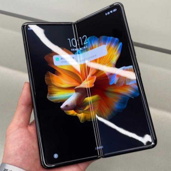 Xiaomi Mi Mix Fold протестируют при складывании и раскладывании вживую (xiaomi mi mix fold cover 1280x720 1)