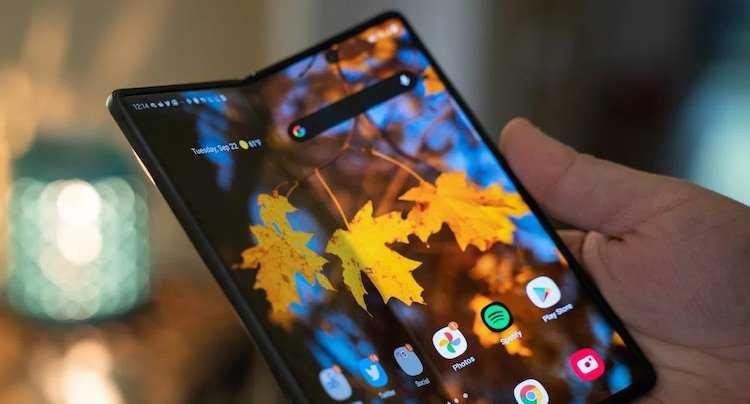 Samsung планирует продать 7 миллионов складных смартфонов к концу 2021 года (43434324324)