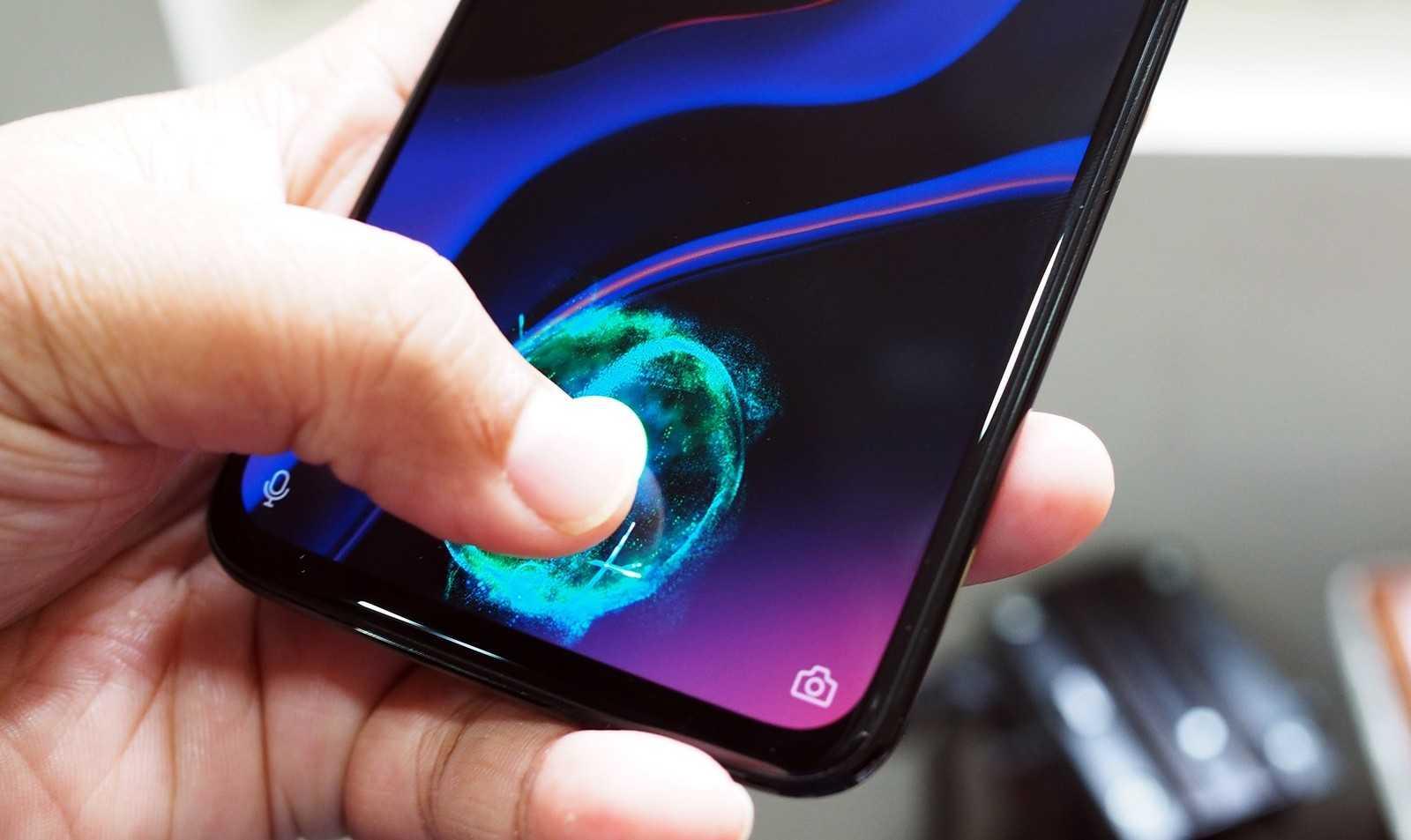 Смартфоны начнут массово переходить на OLED-дисплеи (oneplus 6t 6 large)
