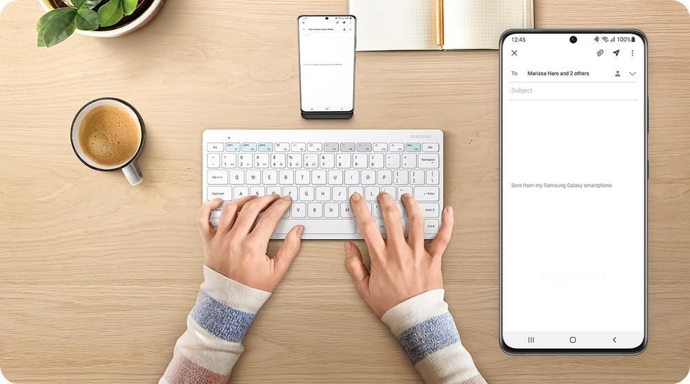 Samsung представила универсальную клавиатуру, совместимую со всеми вашими гаджетами (samsung smart keyboard trio 500)