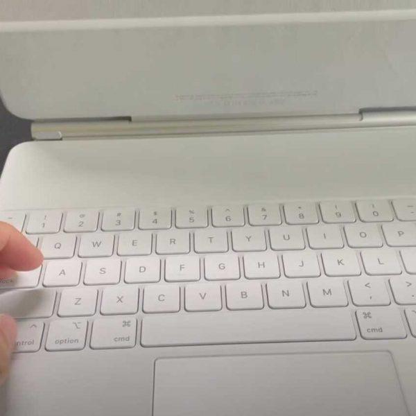 Первый взгляд на белую клавиатуру Magic Keyboard для iPad Pro (white magic keyboard video)