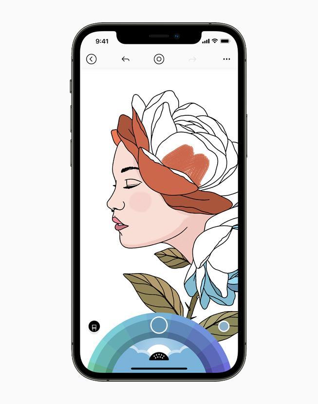 Разработчики увеличили общие объёмы платежей и продаж в экосистеме Apple App Store на 24 процента (apple iphone12pro lake app 060221 carousel.jpg.large)