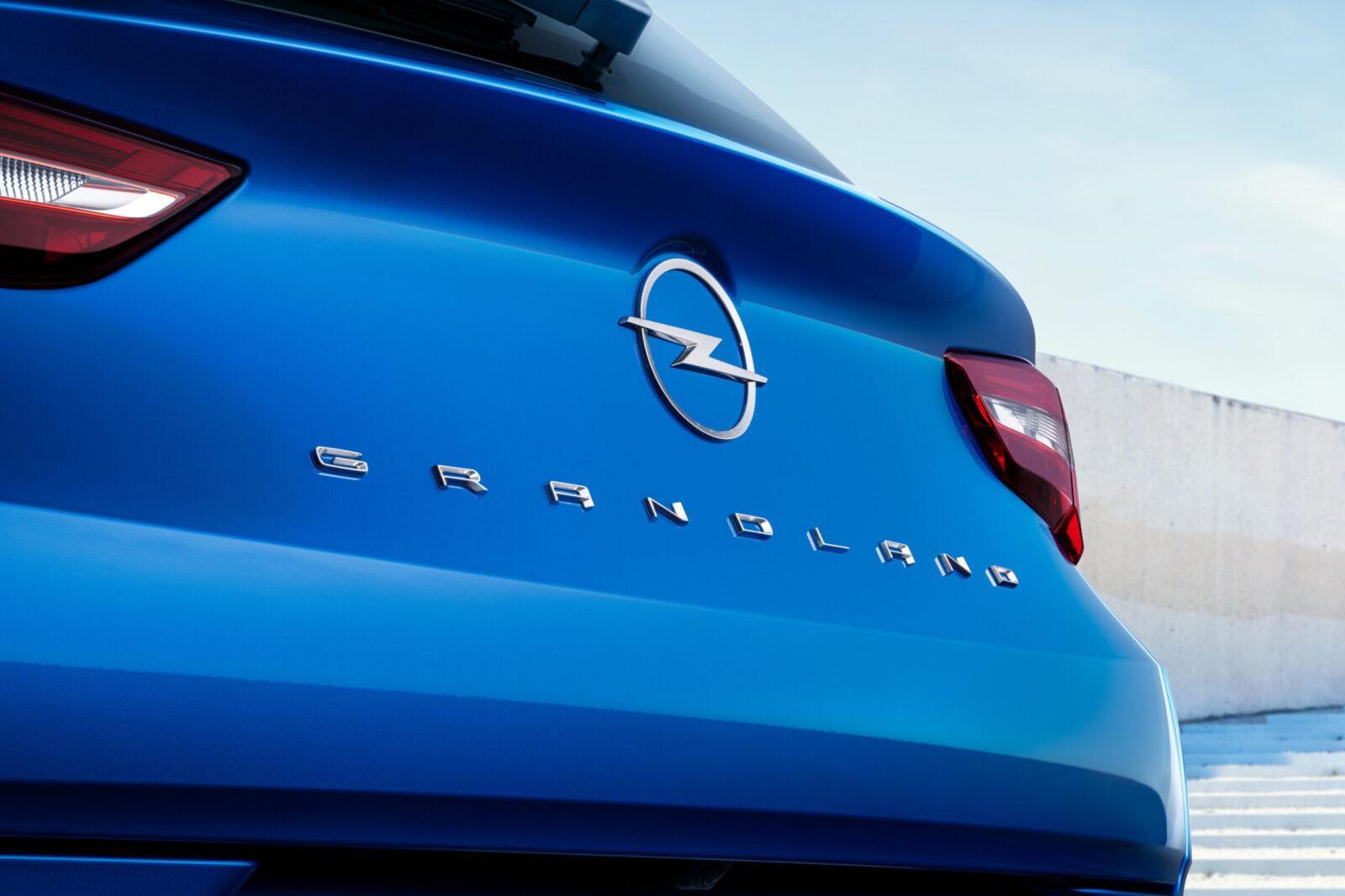 Opel сделала новый электромобиль Grandland - смелый дизайн и передовые технологии (novyj opel grandland 10 scaled)