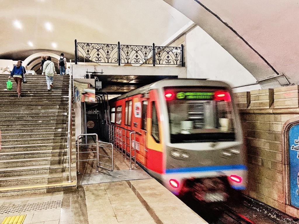 Tele2 первой в России запустила 5G в метро (tele2 metro 5g 2)