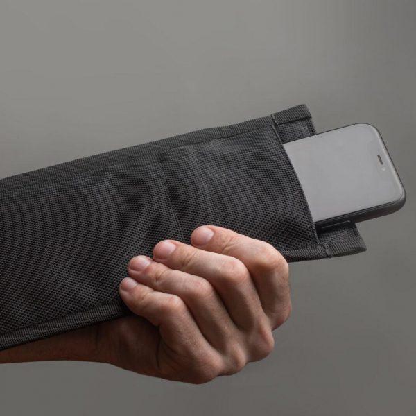 В России подтвердили эффективность экранирующих чехлов для гаджетов (as1 2557)