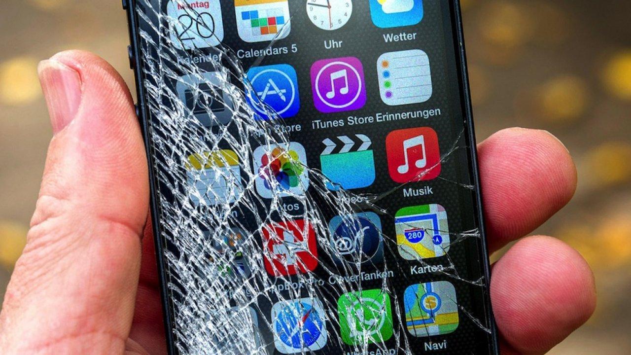 Создано самозаживляющееся стекло для смартфонов (broken screen 1000x562 1280x720 1)