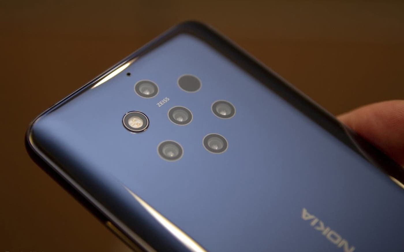 Новый флагман Nokia представят до 11 ноября ()