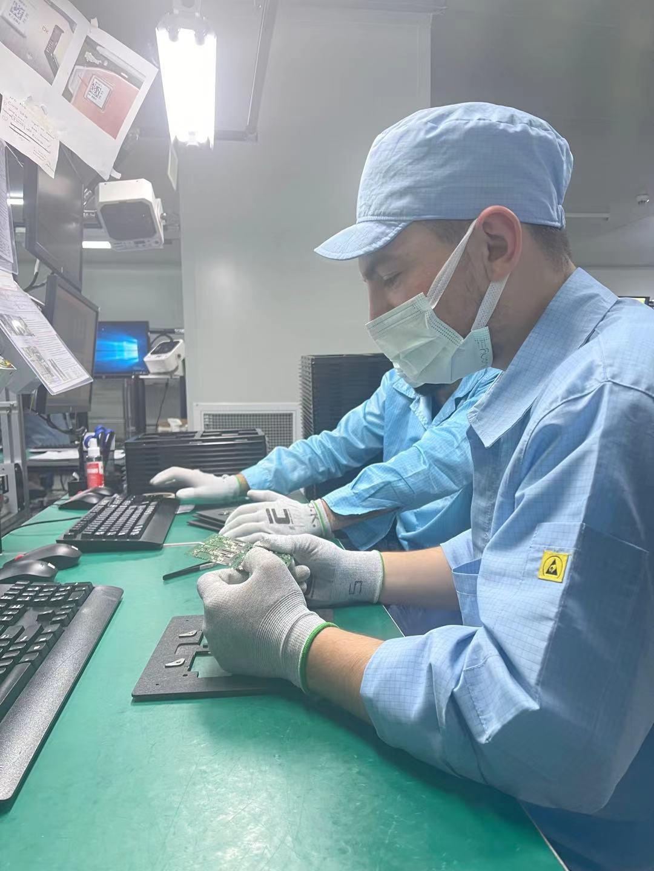 OPPO запускает новый завод в Турции (factory inside3 stuff working)