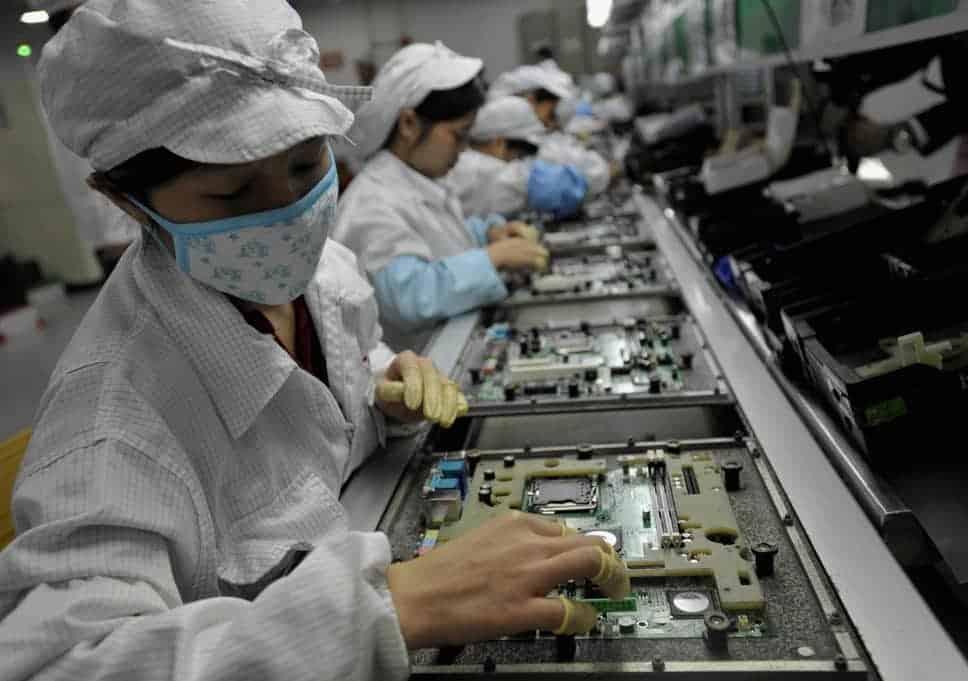 Xiaomi строит завод по производству смартфонов, где люди не будут нужны (foxconn 1)