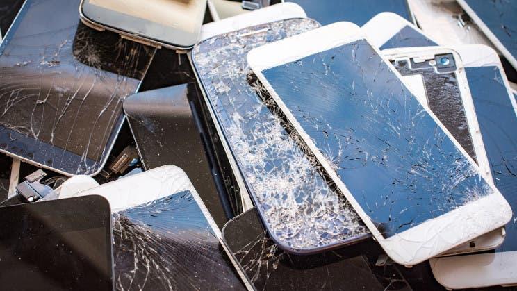 Создано самозаживляющееся стекло для смартфонов (phone crack)