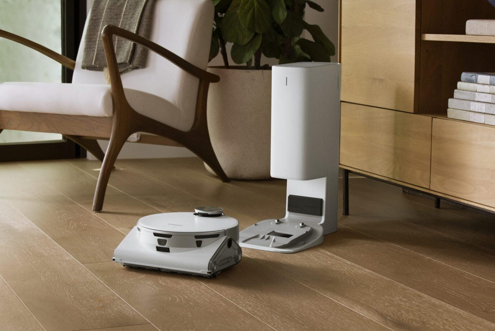 Samsung начала продажи умного робота-пылесоса Jet Bot AI+ (samsung jetbot scaled 1)