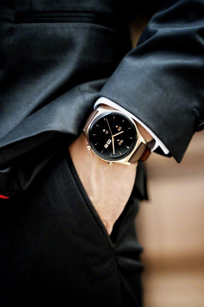 Умные часы Honor Watch GS3 впервые показали на живых фотографиях (1 1)