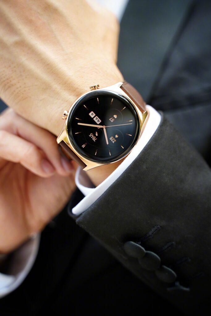 Умные часы Honor Watch GS3 впервые показали на живых фотографиях (2 1)