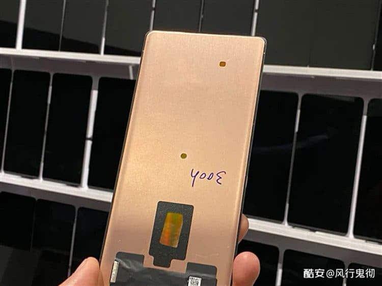 В сеть опубликовали живые фото флагмана Xiaomi Mi Mix 4 ()