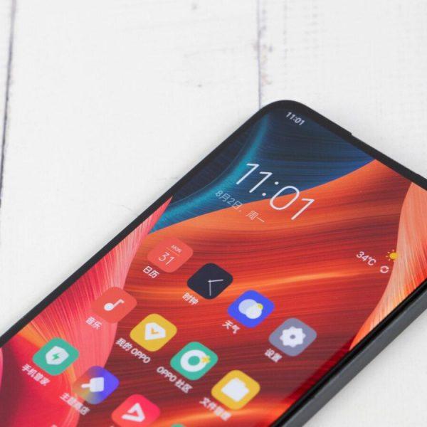 OPPO получила патент на способ воспроизведения звука через экран (oppo under display selfie camera 2021)