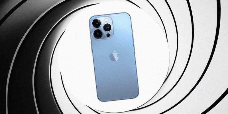 Почему Джеймс Бонд не пользуется iPhone (2821 WIRED Bond)