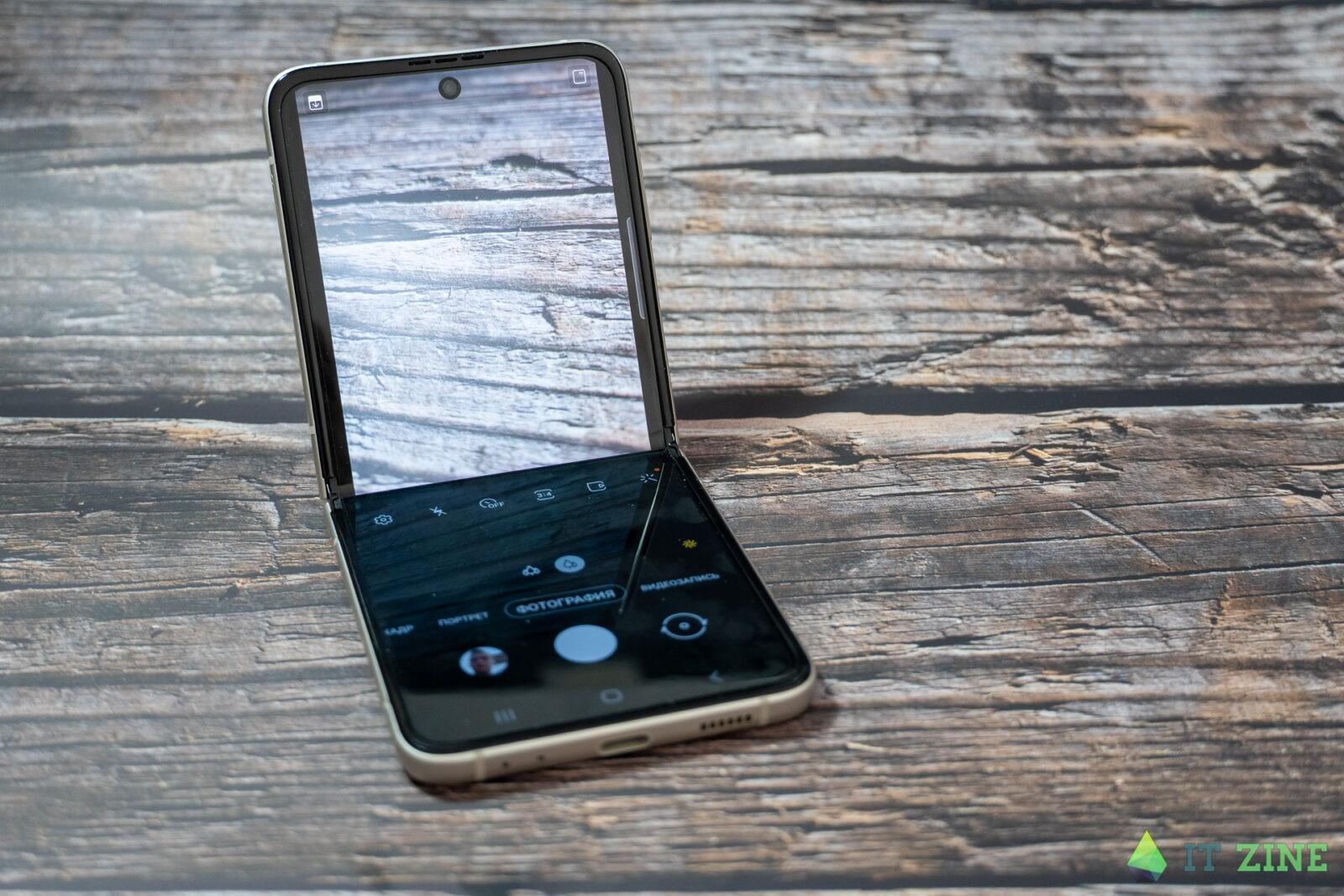 Обзор Samsung Galaxy Z Flip 3: складной смартфон для стильных (Samsung Galaxy Z Flip3 06)