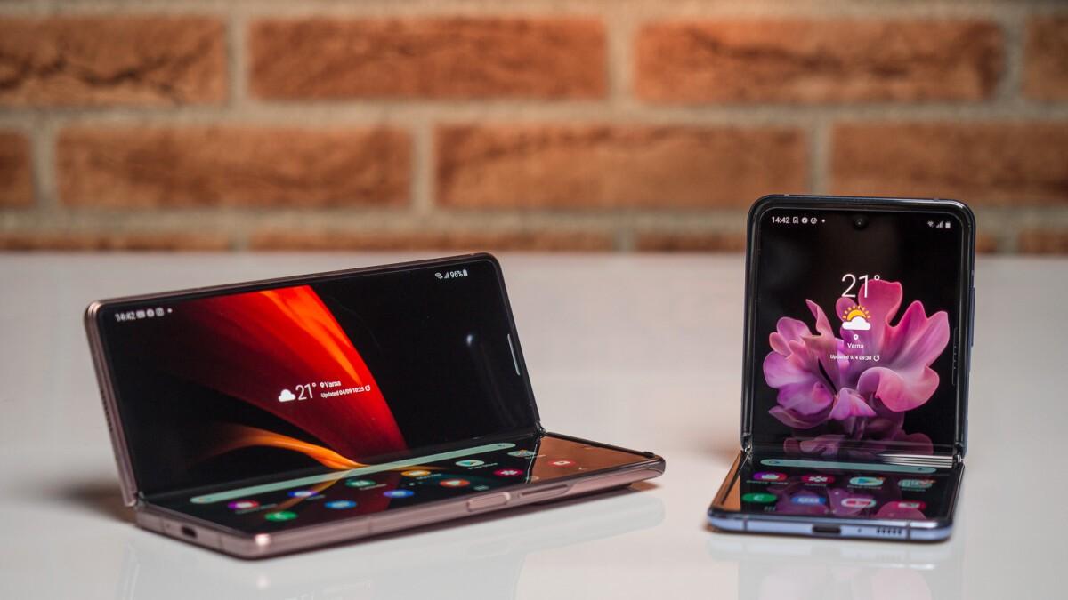 Google готовит второй складной смартфон согласно данным по Android 12 (Samsung Galaxy Z Fold 2 vs Samsung Galaxy Z Flip a battle of Samsung foldables)