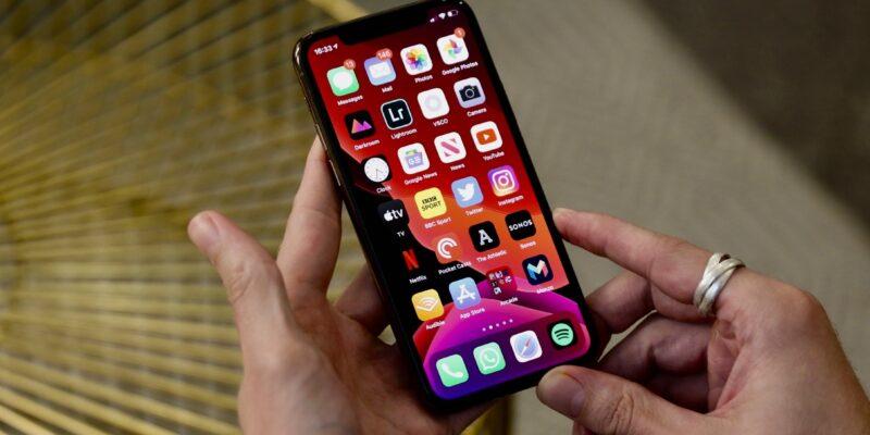"Куо: модели iPhone 14 Pro заменят ""челку"" на вырез от дырокола (iphone11pro 1 1)"