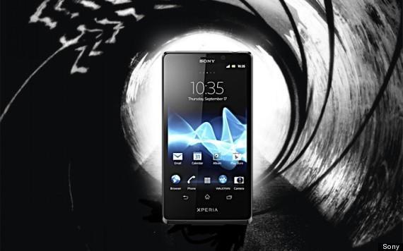 Почему Джеймс Бонд не пользуется iPhone (o SKYFALL WALLPAPER1 570)