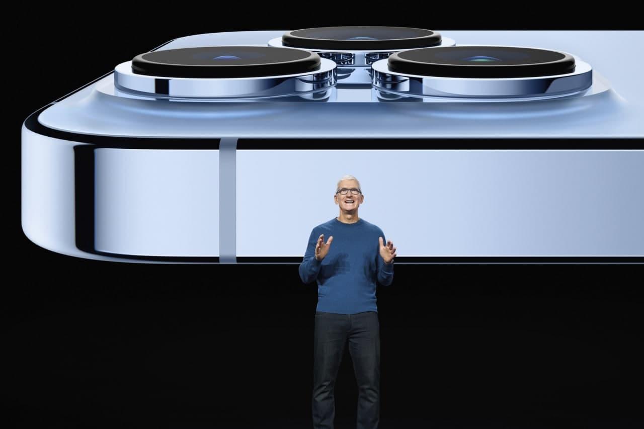 Apple показала iPhone 13 Pro и iPhone 13 Pro Max официально (photo 2021 09 14 21 38 20)