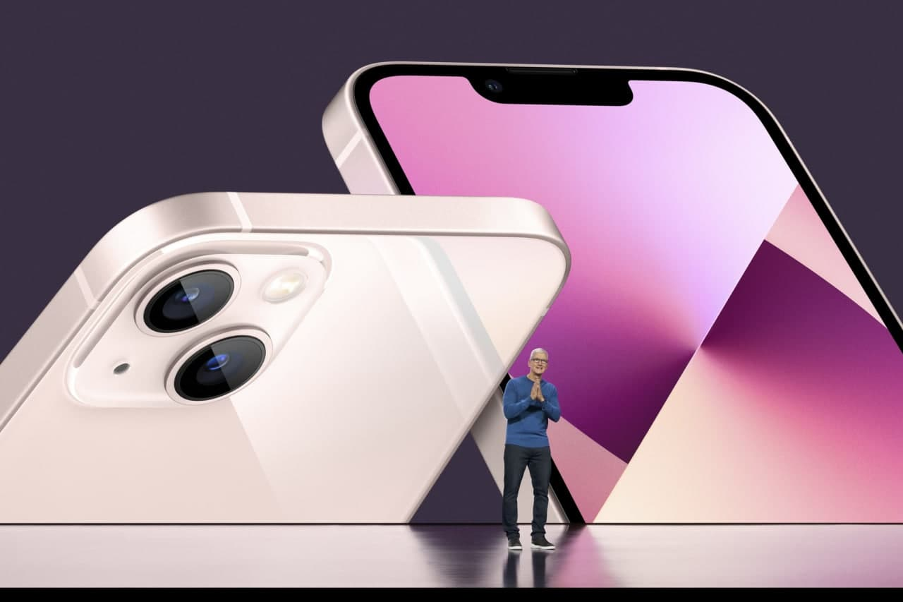 Всё, что показала Apple 14-го сентября: iPhone 13, Apple Watch series 7, новые iPad и iPad mini (photo 2021 09 14 21 38 42)