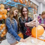 Фирменная розничная сеть Mi Store отмечает 5-летний юбилей в России (ALEX7858)